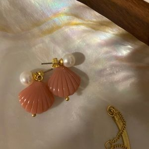 Madewell shell and pearl earrings